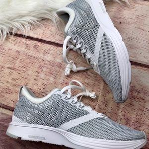 NEW Nike White Zoom Strike Sneaker Size 8.5